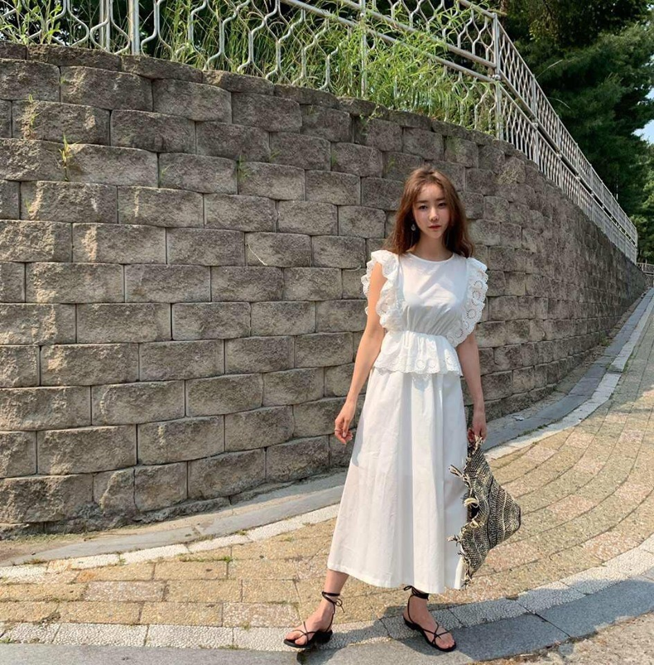J9627-雕花麻質洋裝-白 (現貨)