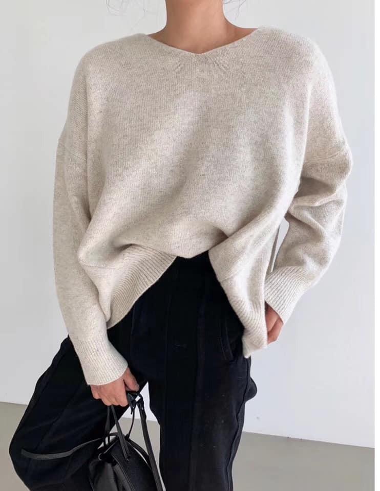N91142-後衩V領羊毛上衣 (預購)