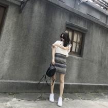 H15-橫紋多彩合身短裙-S(現貨)