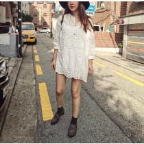J9606-緹花縷空白洋裝-長版 (現貨)